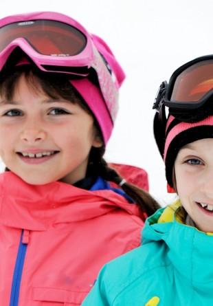 Încurajează-i pe cei mici să facă sport și iarna