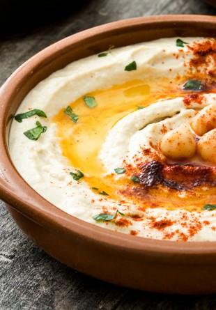 5 motive să mânânci mai des humus