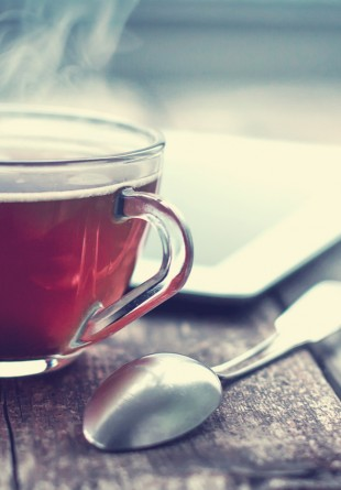 5 ceaiuri care îți ajută sistemul imunitar în sezonul rece