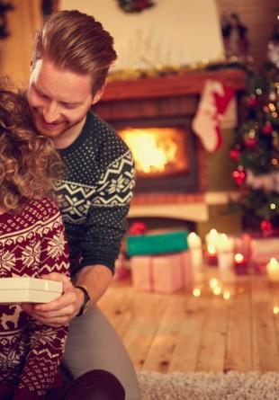 Cadoul perfect de Crăciun pentru iubita ta este pentru totdeauna